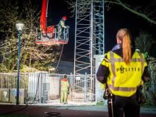 Opnieuw branden in zendmasten, nu in twee in Almere