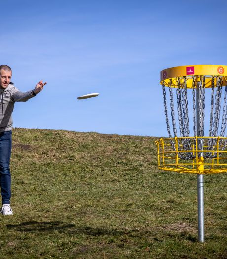 Gespot in Nieuw-Zeeland, nu ook in Steenwijk: de eerste discgolfbaan van Overijssel is een feit