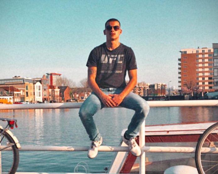 Vitor Justino (20), Portugees arbeidsmigrant die in Port of Moerdijk verbleef en in Delft in corona-quarantaine moest. Hij was zelf niet besmet.