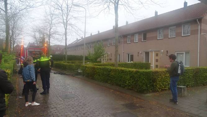 Brandweer rukt uit voor woningbrand in Hengelo: keuken volledig verwoest