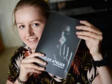 Deze Beltrumse is nog maar 23 jaar en heeft nu al vier thrillers op haar naam: 'Ik ben niet van: kijk eens wat ik kan'