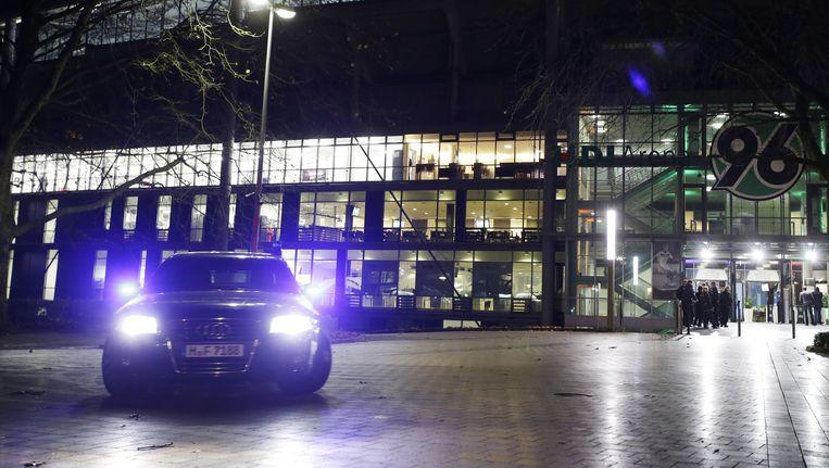 Het afgesloten stadion in Hannover afgelopen dinsdag. Beeld ap