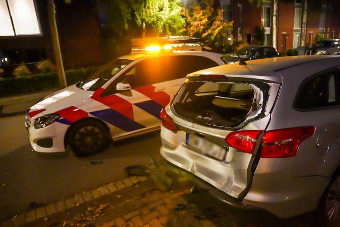 De politie doet onderzoek naar de oorzaak van de botsing in Eindhoven.