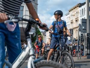 """Waarom in Antwerpen de snelste weg nooit de veiligste is: """"Fietsen zou leuk en gezond moeten zijn. In deze stad is dat onmogelijk"""""""