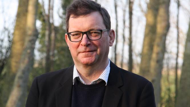 """""""Een dorp dat grote namen als Hugo Claus en Willem Vermandere heeft geïnspireerd"""": inwoner Peter Bossu schrijft boek over Lampernisse"""