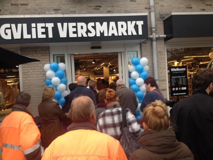 Een drukte van belang bij de nieuwe versmarkt van Hoogvliet.