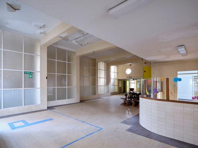 Ook het interieur van de school, ontworpen door Emiel Van Averbeke, ademt het fraaie modernisme van de jaren '30 uit.