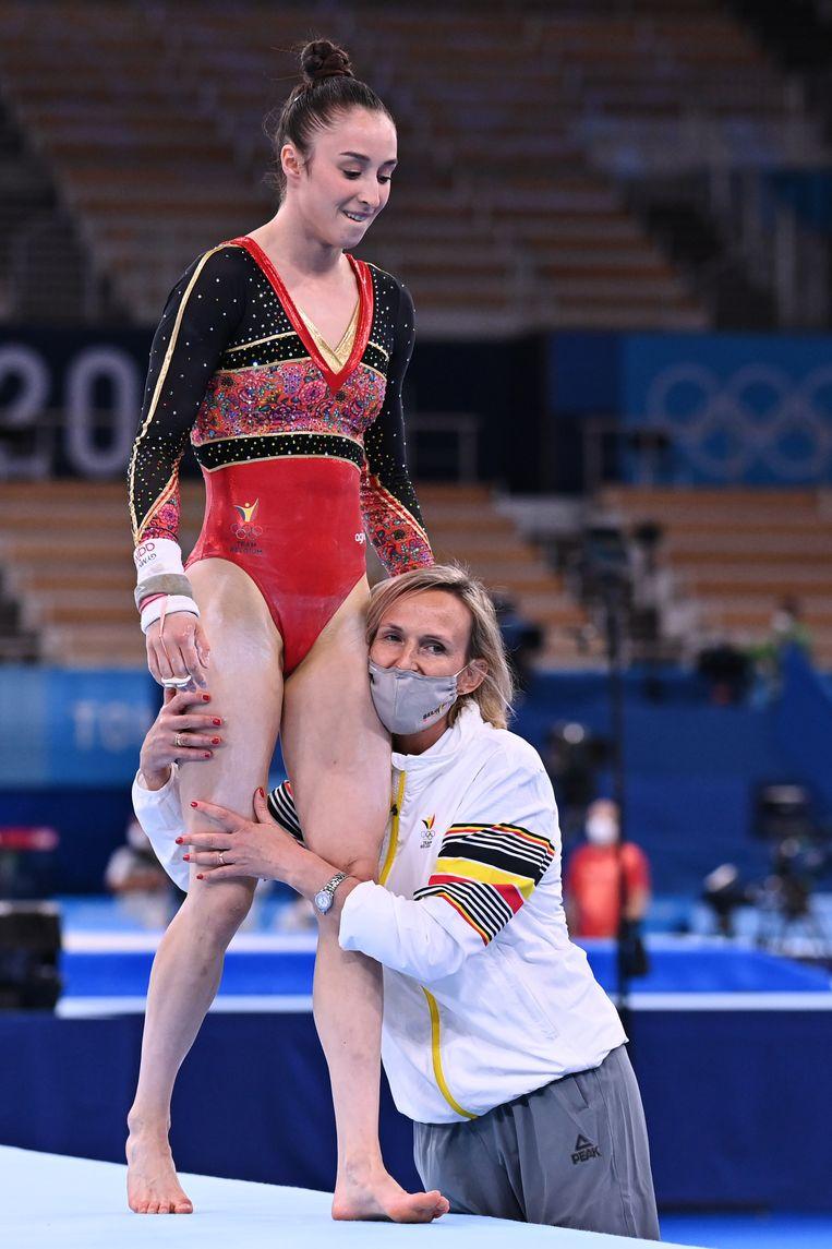 Nina Derwael en Marjorie Heuls tijdens de kwalificatie. Beeld BELGA