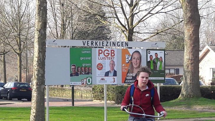 Campagne in Oisterwijk in volle gang: wie belt de plakploeg van Algemeen Belang?