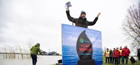 Zijlstra én Rijkswaterstaat onder vuur, maar granuliet verdwijnt niet: 'Als wij niet dumpen ligt de wegenbouw stil'