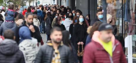 Van 'gezellig uitje' tot 'waanzin, die lange rijen': Het was druk in de Eindhovense binnenstad