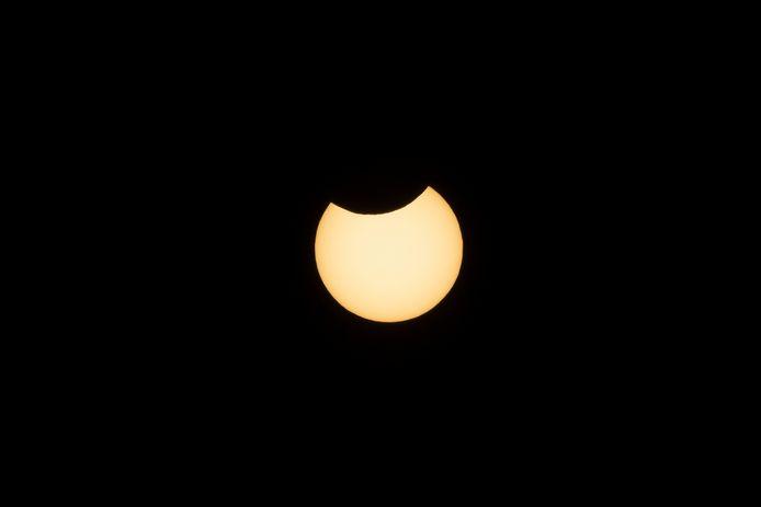 De zonsverduistering om 12.23 uur