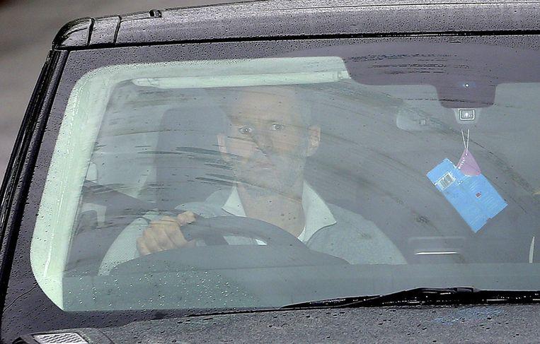 Ryan Giggs arriveert op de dag van het ontslag van coach David Moyes bij het trainingscomplex van United. Beeld ap