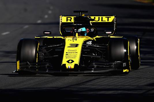 Daniel Ricciardo in zijn Renault.