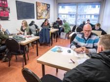 Honderden Zwollenaren willen weten of hun zorg vergoed blijft