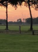 Een spotter in Broekland denkt ufo's gezien te hebben. Wie? Onbekend. De stipjes zouden wellicht ufo's zijn.