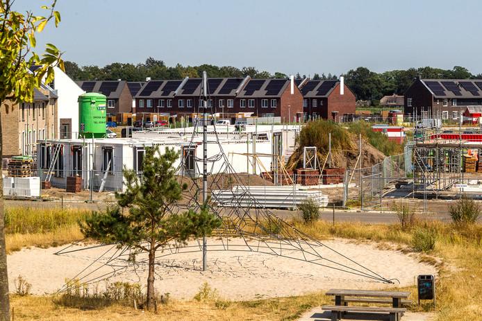 De bouw van Steenbrugge (hier op een archieffoto) is een belangrijke reden dat Keizerslanden de Vijfhoek als grootste wijk van Deventer gaat aflossen.