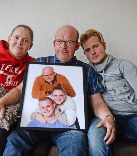 Gezin uit Pathmos ontroert kijkers tv-programma Steenrijk straatarm: 'Zo fijn dat papa een keer kon zeggen We gaan wat leuks kopen'