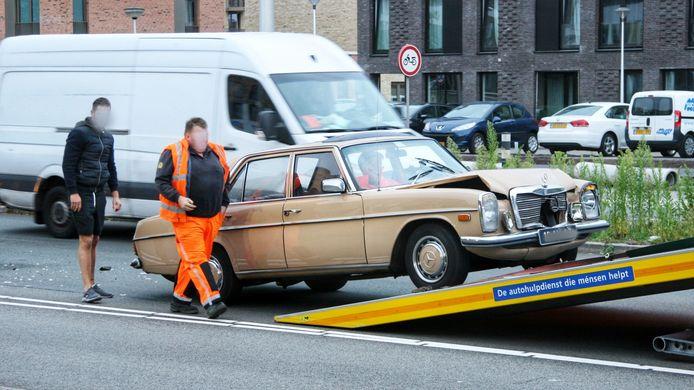 De Mercedes werd afgevoerd.