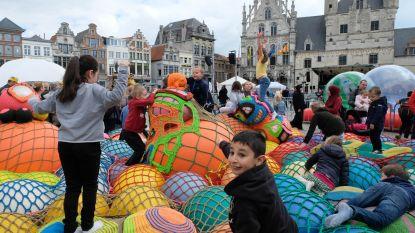Speeldag uitgezongen met #Like Me: 10.000 bezoekers zakken af naar binnenstad