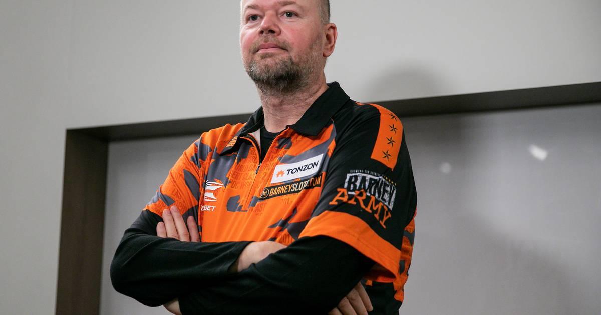 Van Barneveld wint voor het eerst in zijn carrière van Cross - AD.nl
