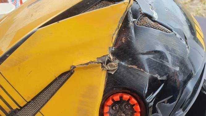 Dankzij motorhelm kan Etienne Bax crash in Oldebroek nog navertellen