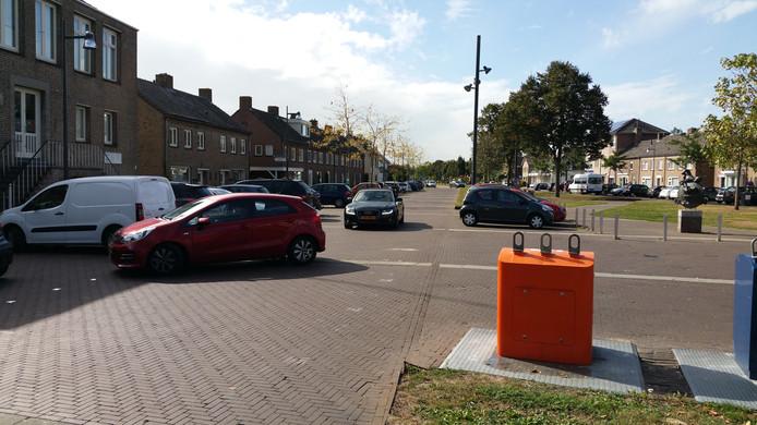 Het opgeknapte plein in Empel laat wat te wensen over, vinden de bewoners.