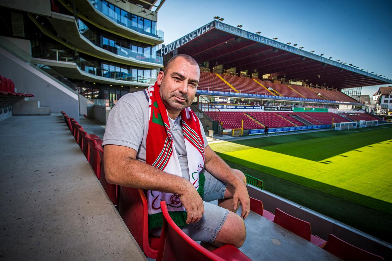 Geert Titeca: 'De Belgische wetgeving stelt dat je een stadion niet met afgedekt gezicht mag betreden.' Beeld Jan De Meuleneir/Photo News