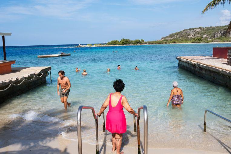 Toeristen op Curaçao begin oktober. Beeld Sabine van Wechem