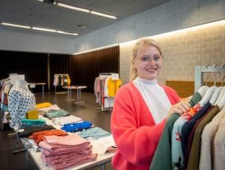 """Vrouwen mogen gratis gaan shoppen dankzij kledingwinkel Follie: """"Puur verwenmoment"""""""