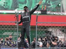 Hamilton grijpt recordzege in stijl, Verstappen derde in Portugal