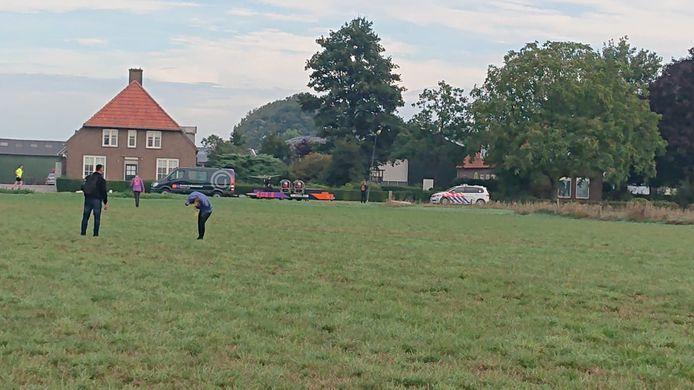 Negentien personen werden na een ballonvlucht vastgehouden in Bokhoven, vlakbij Den Bosch.