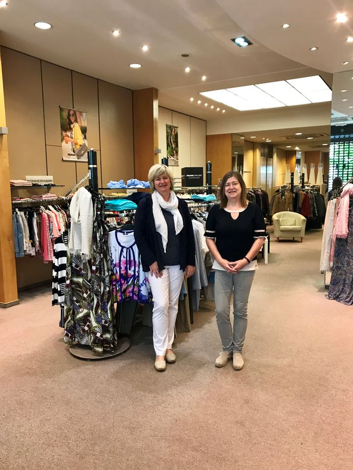 Annette en Martine Delfosse van Lilas Mode moeten de deuren sluiten na 107 jaar.