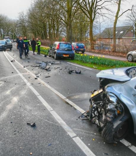 Lichtgewonde bij frontale botsing op Tienendreef in Valkenswaard