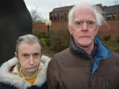 Broer en zus treiteren buren al vijftig jaar: 'wanneer stopt dit?'