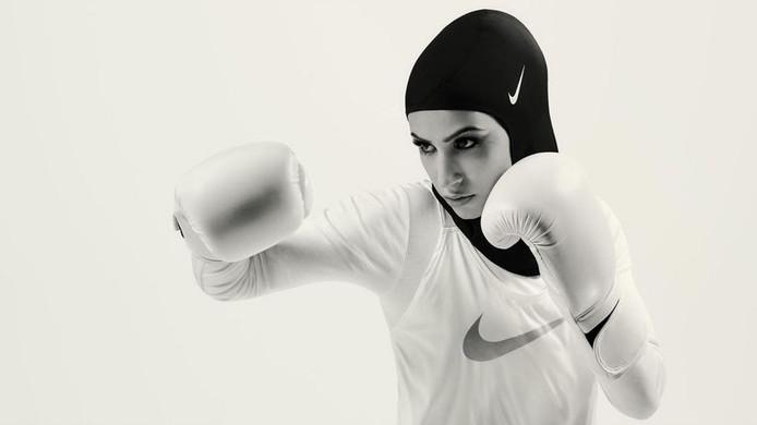De Duitse boksster Zeina Nassar