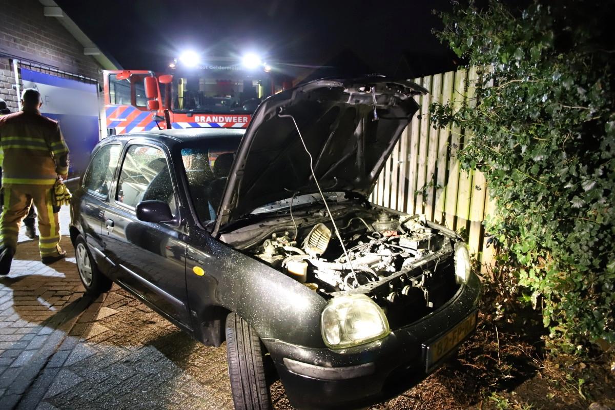 De brandweer deed buiten de nacontrole.