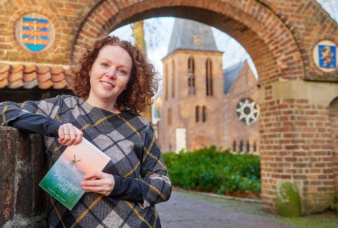 Judith de Laat gaf de Abdij van Berne een plek in haar debuutroman, die zich afspeelt in Heeswijk-Dinther.