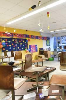 Honderden klaslokalen staan leeg door coronabesmettingen: 'Koek is op bij ouders'