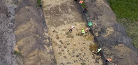 Schatgraven in Wierden, met verrassende uitkomsten: 'En we krijgen er nog voor betaald ook'