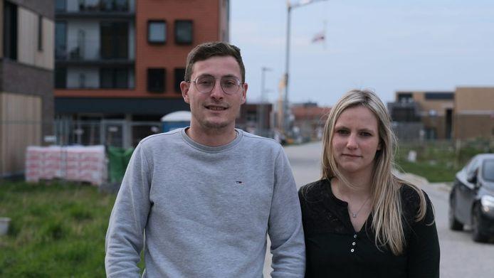 Broer en zus Maxime en Justine dienden na jarenlange vernedering klacht in tegen hun pleegouders.