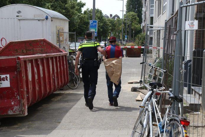 De verdachte werd kort na de dodelijke steekpartij afgevoerd.