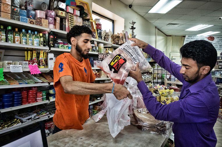 Dearborn telt ook conservatieve moslims, zoals slager Sadiq.