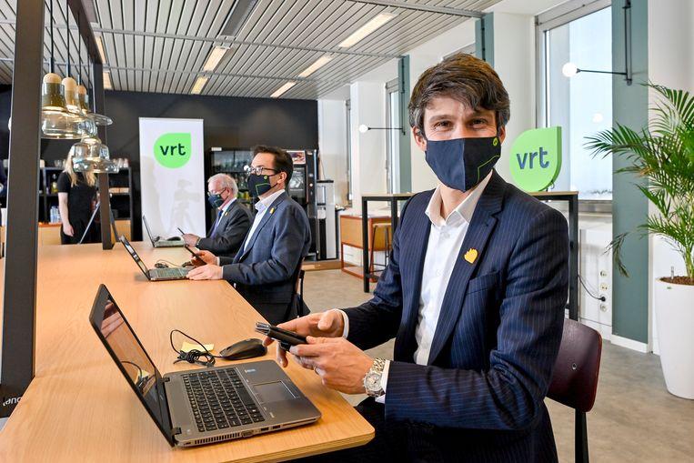 'Benjamin Dalle gelooft in een sterke VRT, maar verschuilt zich nog te vaak achter zijn partijgenoot Luc Van den Brande.' Beeld BELGA