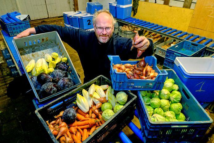 Corstiaan den Boer uit Dordrecht levert direct groente aan de consument.