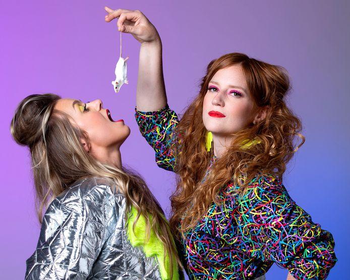 Het populaire muzikale cabaretduo Maartje & Kine