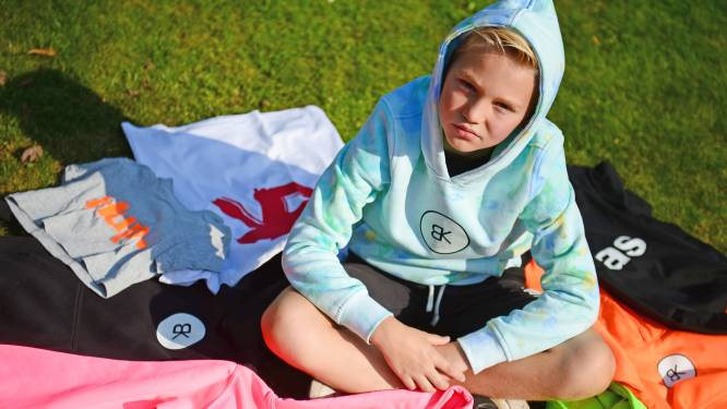 Benjamin (9) uit Oldenzaal heeft eigen kledinglabel, met bijzonder doel: 'Ik wil ze een beetje beter maken'