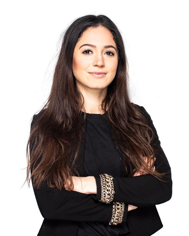 Raounak Khaddari gaat elke aflevering nabespreken met een live-interview op Instagram. Beeld Hilde Harshagen