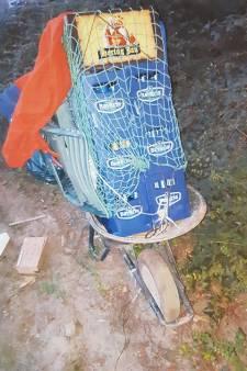 Kratjesdief zwerft in holst van nacht rond met kruiwagen in Veldhoven: 'Van wie zijn deze spullen?'