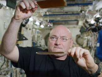 Recordastronaut Kelly over maffe details in de ruimte: eelt, urine en... de Bahama's